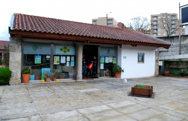 The exhibition is at the Educational Farm in Braga
